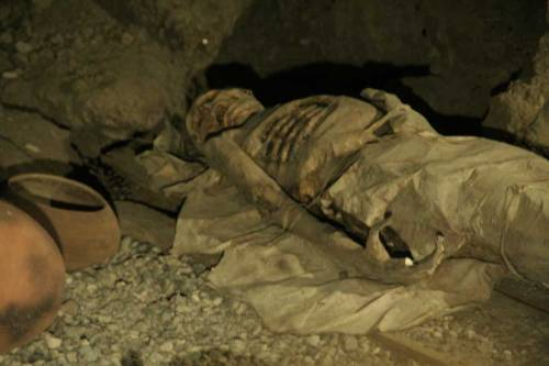 Enterramiento con momia guanche