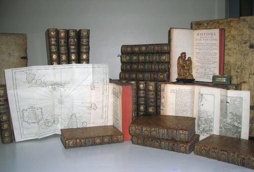Libros y revistas antiguos