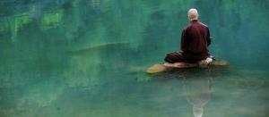 Monje en meditación
