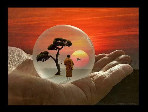 monje-budista-en-esfera